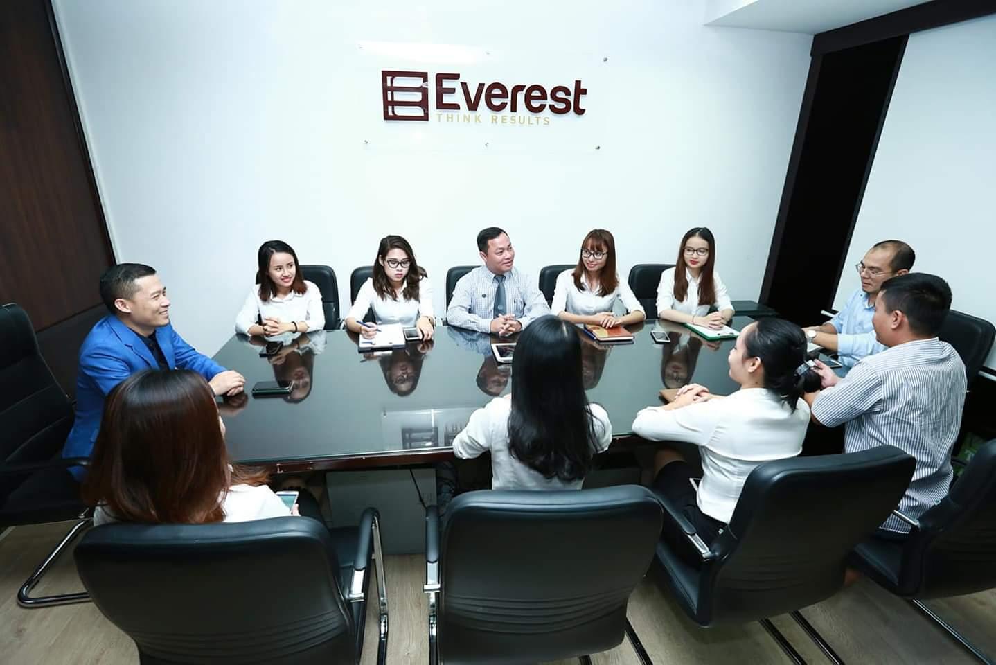 Công ty Luật TNHH Everest - Tổng đài tư vấn pháp luật trực tuyến 1900 6198