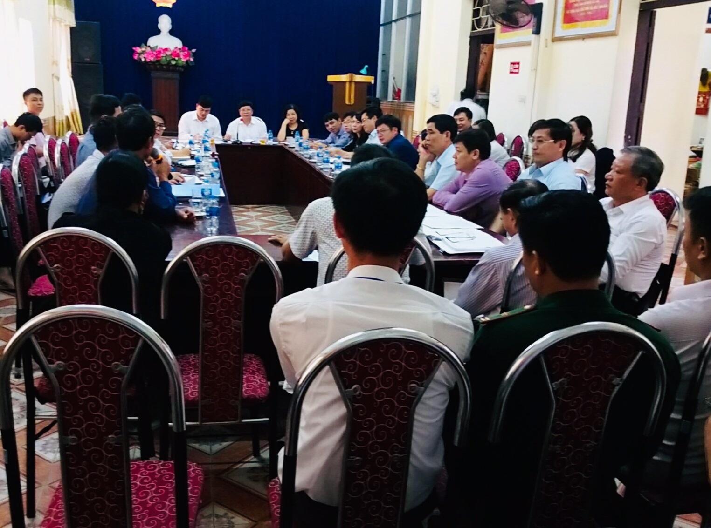 """Cuộc đối thoại giữa Chính quyền huyện Cát Hải và """"người dân"""""""
