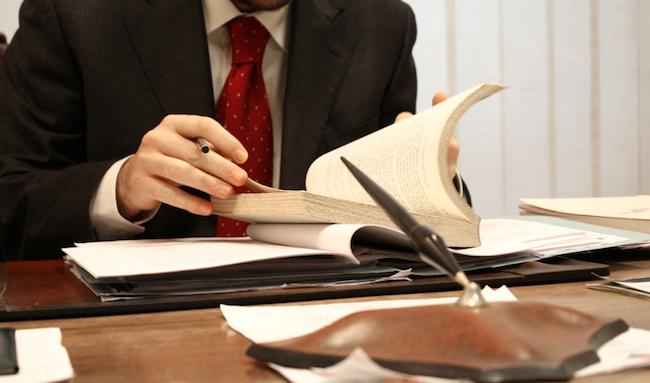 Luật sư tư vấn pháp luật đầu tư - Tổng đài tư vấn (24/7): 1900 6198