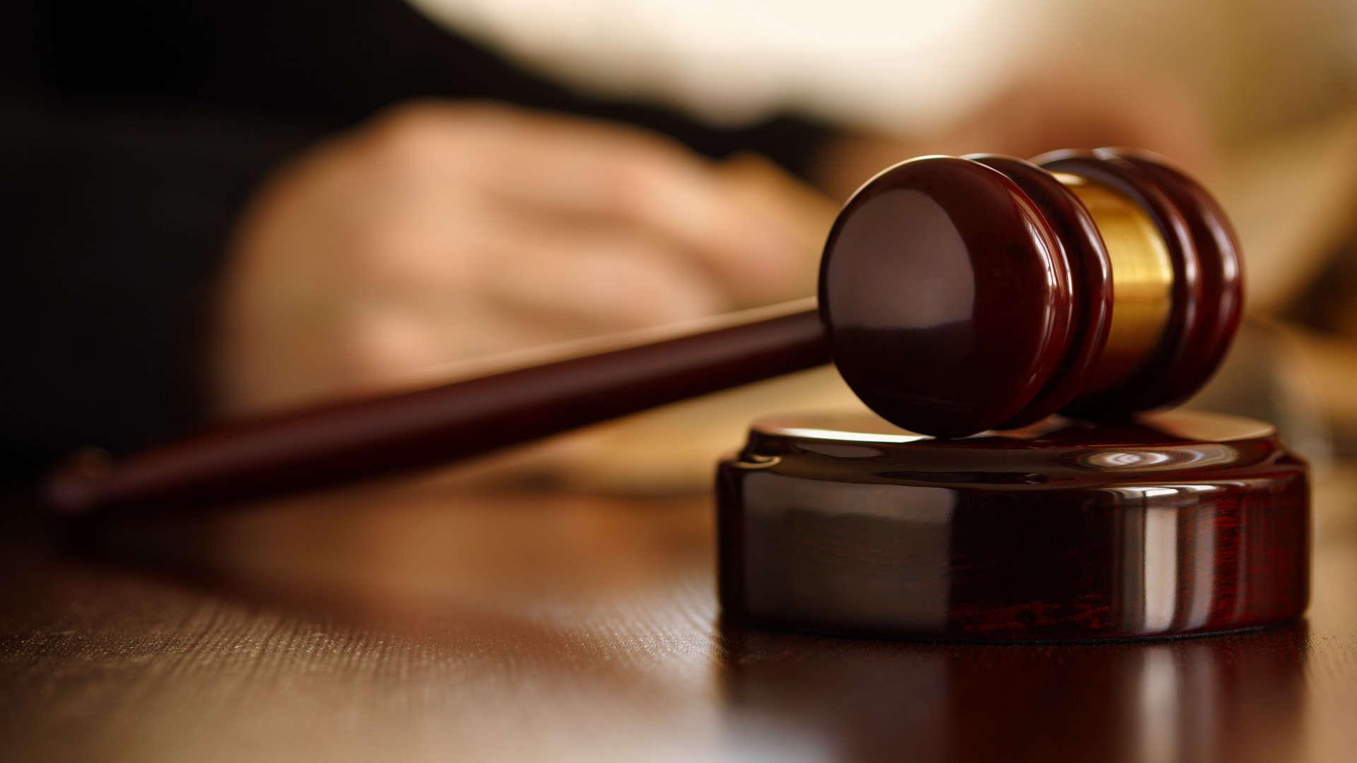 Luật sư tư vấn pháp luật dân sư - Tổng đài tư vấn (24/7): 1900 6198