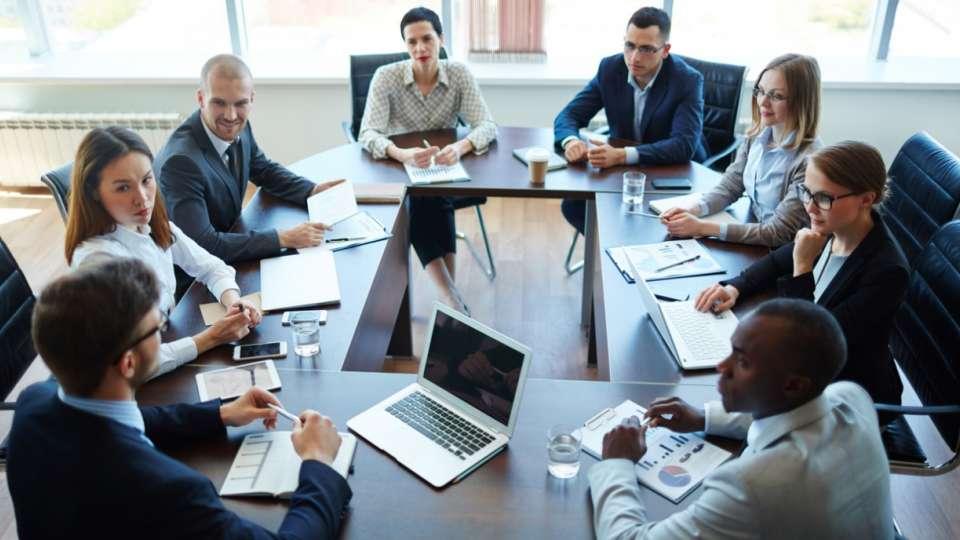 Luật sư tư vấn pháp luật doanh nghiệp- Tổng đài tư vấn (24/7):1900 6198