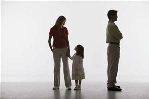 Có thể thay đổi người trực tiếp nuôi con từ mẹ sang bố