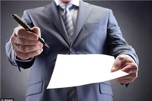 Phó giám đốc có được ký kết hợp đồng lao động với nhân viên không?