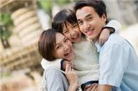 Nhận nuôi con nuôi có yếu tố nước ngoài, có gì khác?