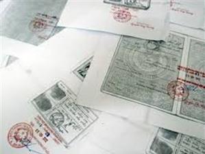 Cơ quan nào có thẩm quyển và trách nhiệm chứng thực bản sao từ bản chính, chứng thực chữ ký trong các giấy tờ, văn bản?