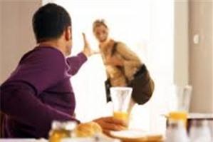 Chồng ngoại tình, vợ có quyền đơn phương ly hôn