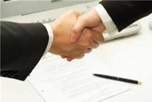 Tuyển lao đông không có bằng cấp vào làm thì có cần giao kết hợp đồng bằng văn bản không
