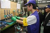 Làm việc dưới 03 tháng tại VN, người nước ngoài có phải xin cấp giấy phép lao động?