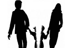 Ai là người được nhận quyền nuôi con dưới 36 tháng tuổi?