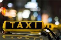 Lái xe taxi gây tai nạn, ai phải bồi thường?