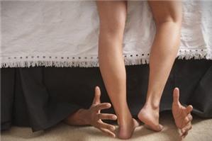 Khi bị sếp quấy rối tình dục, NLĐ làm thế nào?