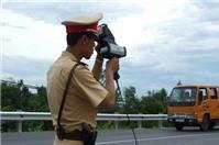 Cảnh sát giao thông có quyền xử phạt người vượt quá tốc độ.