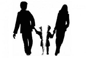 Con chưa đủ 36 tháng tuổi, chồng giành quyền nuôi con khi ly hôn có được không?