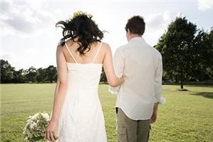 Đăng ký kết hôn, chồng có thể vắng mặt không?