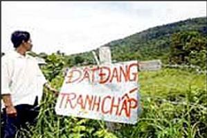 UBND xã chậm trả lời yêu cầu giải quyết tranh chấp đất đai, phải làm thế nào?