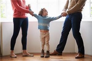 Muốn đổi người trực tiếp nuôi con sau khi ly hôn thì phải làm thế nào?