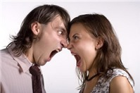 Kết hôn con đẻ với con nuôi