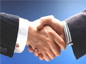 Người nước ngoài có được phép giữ bao nhiêu % cổ phần trong công ty liên doanh?