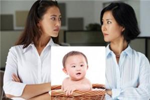 Khi ly hôn vợ có giành quyền nuôi cả 2 con sau khi ly hôn được không?