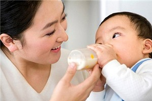 Hỏi về nuôi con nuôi có yếu tố nước ngoài
