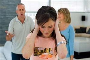 Có được ly hôn khi vắng mặt chồng không?