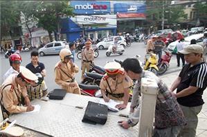 Luật sư tư vấn về xử lý 'nóng' trong pháp luật giao thông đường bộ