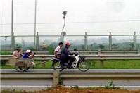 Đi xe kéo có vi phạm luật giao thông?