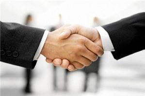 Các tổ chức, doanh nghiệp cung cấp dịch vụ mạng xã hội trực tuyến?