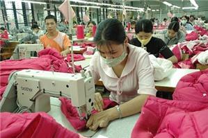 Có được sa thải lao động nữ đang nuôi con nhỏ không?