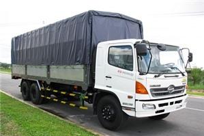 Luật sư tư vấn doanh nghiệp có phải gắn phù hiệu cho xe tải không?