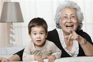 Luật sư tư vấn chế độ hưu trí của lao động nữ khi nghỉ hưu sớm