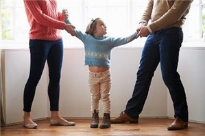 Tư vấn pháp luật quyền thay đổi người trực tiếp nuôi con sau khi ly hôn
