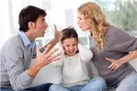 Tư vấn pháp luật: Khi nào thì vợ hoặc chồng có thể thay đổi quyền nuôi con?