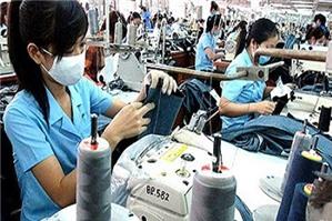 Luật sư tư vấn: công ty có được điều chuyển lao động khi thu hẹp sản xuất không?