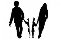 Đăng ký khai sinh cho con theo hộ khẩu của cha hay của mẹ?