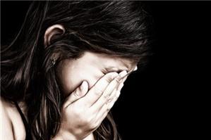 Trẻ 12 tuổi bị bố ngược đãi, hình thức xử phạt là gì?