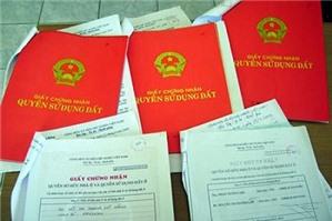 Phát sinh mâu thuẫn về việc mua bán đất bằng giấy viết tay có người làm chứng
