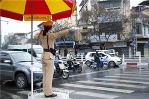 Giải quyết thắc mắc về hành vi bắn tốc độ của cảnh sát giao thông