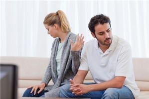 Chồng đi với cô gái khác có phải là vi phạm pháp luật không?