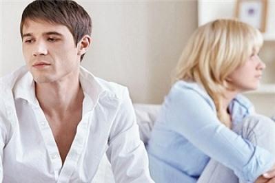 Thủ tục ly hôn khi một bên vắng mặt