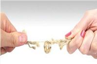 Tiền án phí khi ly hôn ai sẽ là người phải trả?