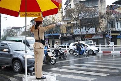 Đi xe máy vượt đèn đỏ bị phạt bao nhiêu tiền theo quy định mới nhất?