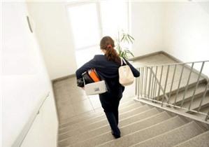 Quy định về trường hợp giữ lương khi người lao động tự ý nghỉ việc