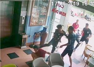 Quán Bảo Oanh (số 7 đường Thanh Niên, Hà Nội) bị 'khủng bố': Chậm khởi tố vụ án, hiểm họa rình rập công dân